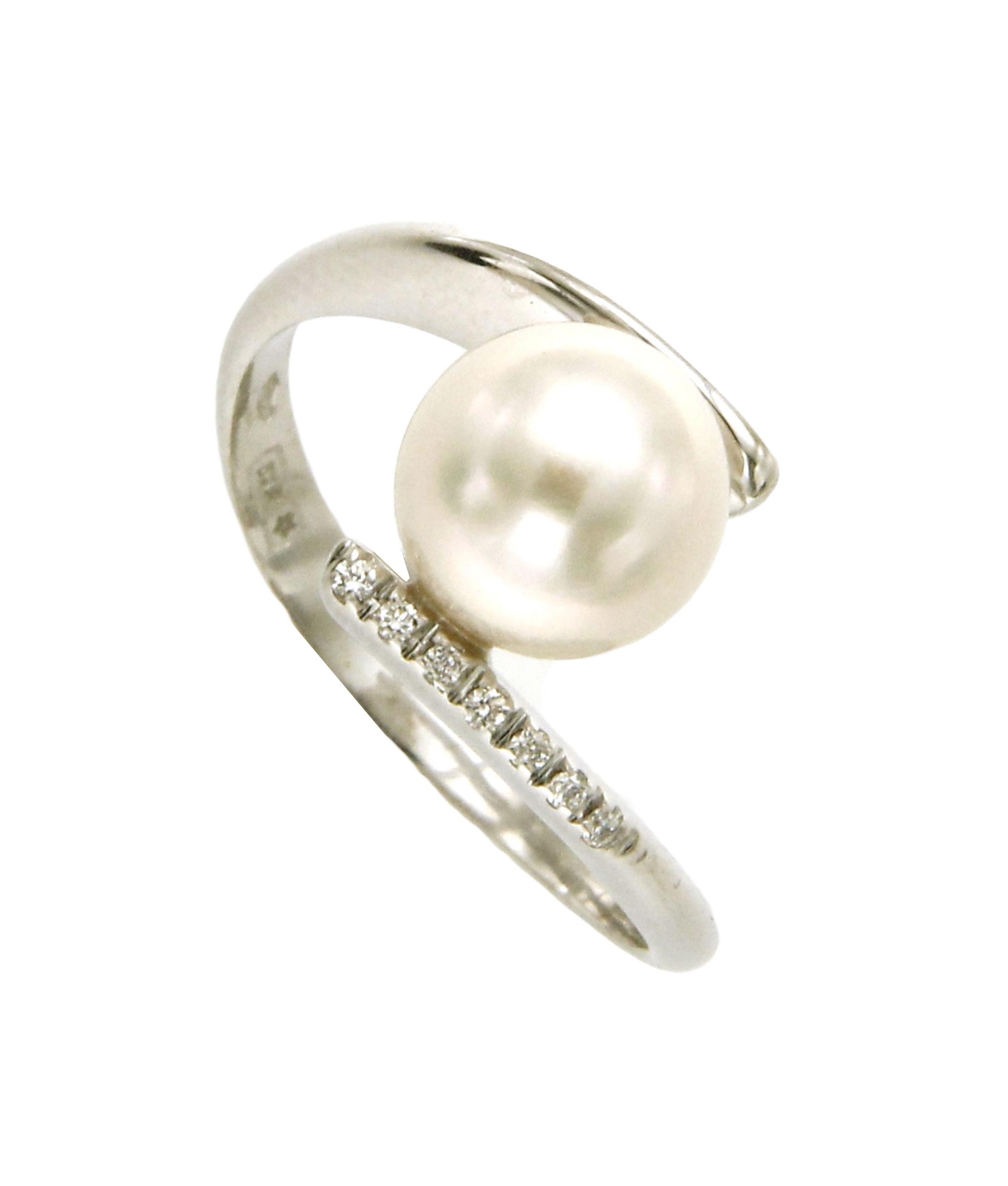 nuovo di zecca 934cc c3f16 Anello contrarie' con perla e diamanti